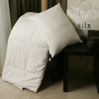 All Season Silk Filled Comforter Size: King