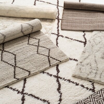 Kenzi Wool Beige/Brown Area Rug Rug Size: 5 x 8