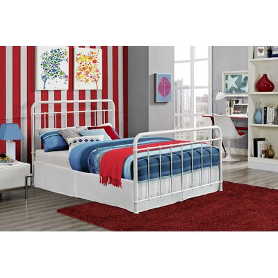 Daria Platform Bed Color: White, Size: Full