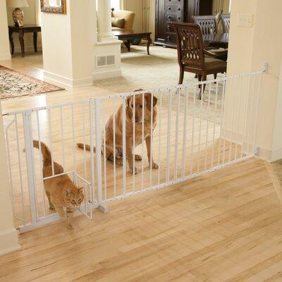 Maxi Pet Gate with Pet Door Size: 30 H x 37 W