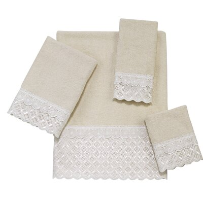 Eyelet Scallop 4 Piece Towel Set Color: Ivory
