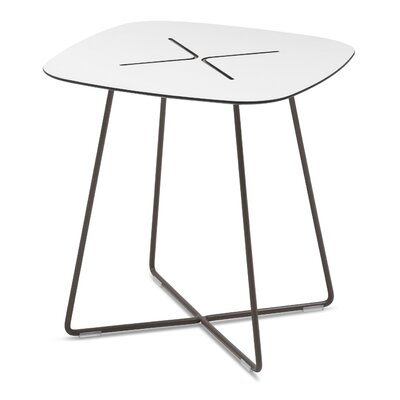 Cross-q Coffee End Table Size: Low, Finish: Red