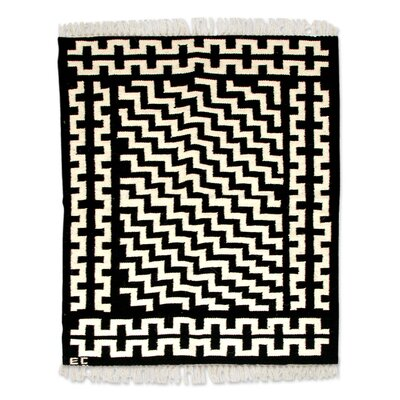 Hand Woven Black/White Area Rug