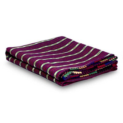 Solola and Bedspread Quilt Color: Red 182831