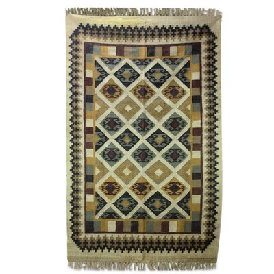 Hand-Loomed Green/Gray Area Rug