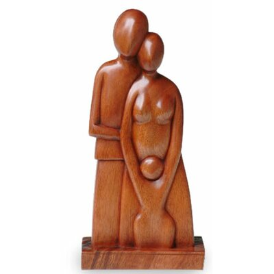 A Growing Family Romantic Wood Figurine 123075