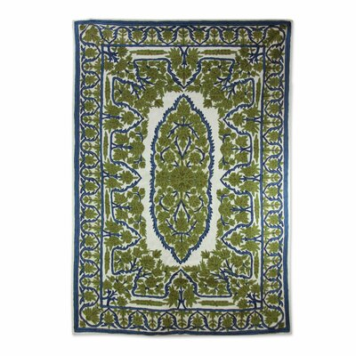 Redbridge Hallowed Forest Stitch Hand-Woven Wool Green Area Rug