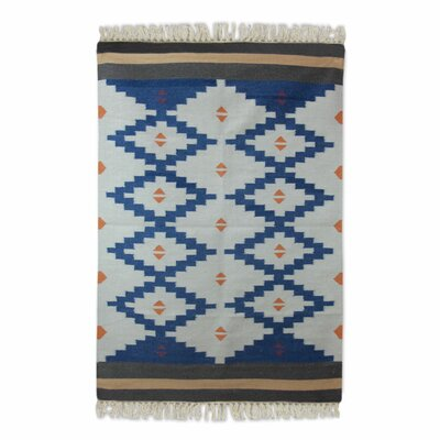 Moynihan Dhurrie Hand-Woven Wool Blue/White Area Rug