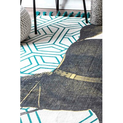 Hand-Woven Mare Green Area Rug Rug Size: 5 x 8