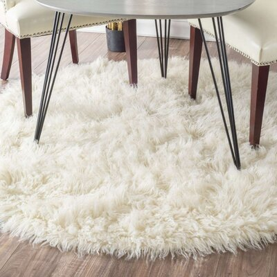 Sellner Plush Natural Area Rug Rug Size: Round 5