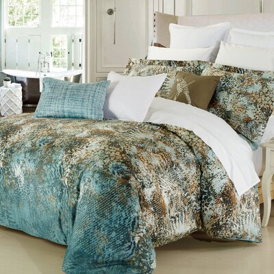 Safari 3 Piece Reversible Duvet Cover Set Size: Queen