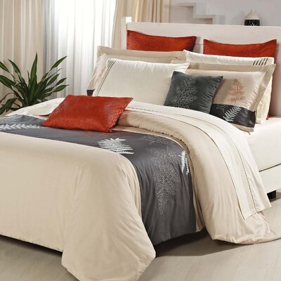 Carlton 3 Piece Duvet Set Size: Queen