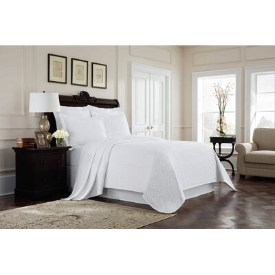 Williamsburg Richmond Coverlet Color: White, Size: Queen
