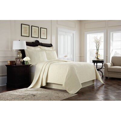 Williamsburg Richmond Coverlet Color: Ivory, Size: Queen