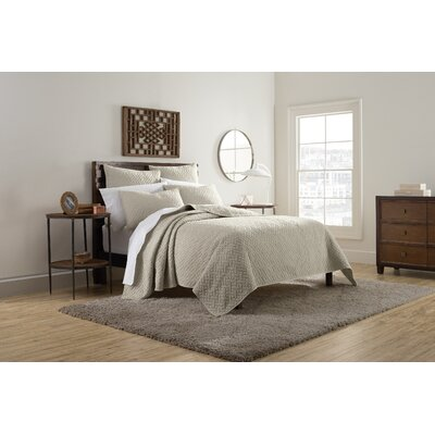 Kennedy Quilt Size: King, Color: Taupe