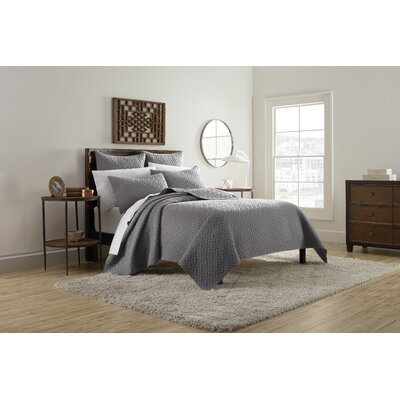 Kennedy Quilt Size: King, Color: Gray