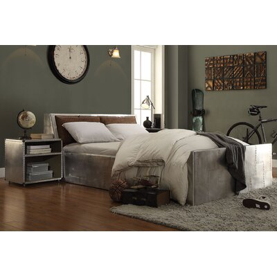 Annessia Storage Queen Platfoorm Customizable Bedroom Set