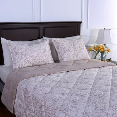 Suedemink� Reverse to PrimaLush� Down Alternative Quilt and Sham Set Size: Full/Queen, Color: Comet