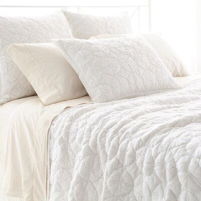 Marina Quilt Size: King, Color: White