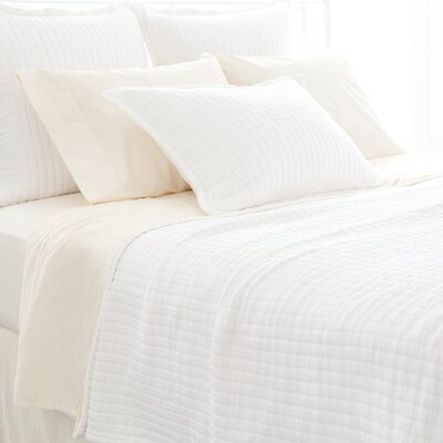 Boyfriend Matelasse Coverlet Size: Queen, Color: White