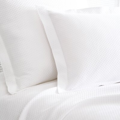 Petite Trellis Matelasse Coverlet Size: King, Color: White