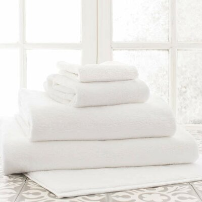 Signature Bath Sheet Color: White