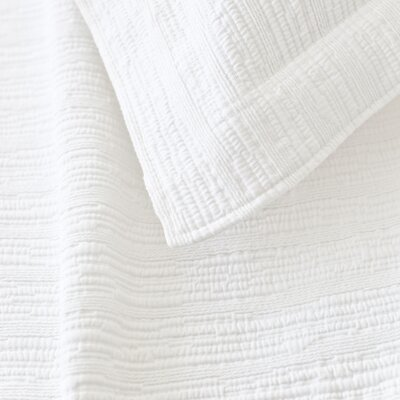 Hardwood Matelass� Coverlet Size: Twin, Color: White