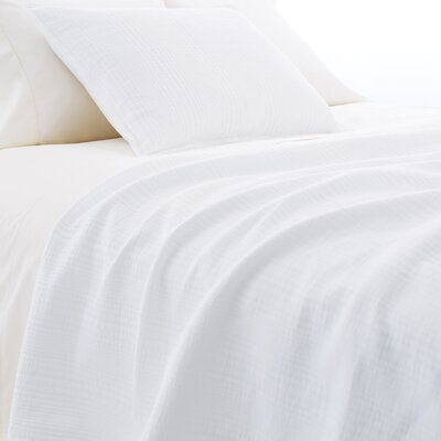 Kelly Matelasse Coverlet Size: King, Color: White
