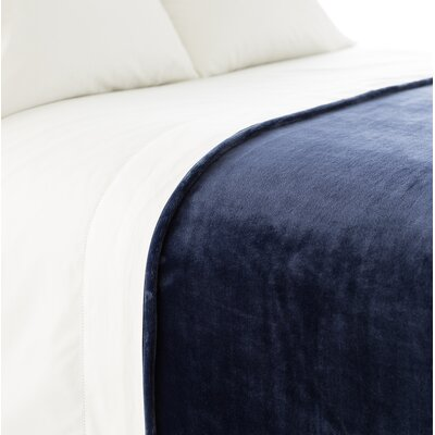 Selke Fleece Throw Blanket Size: Full/Queen, Color: Indigo