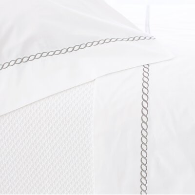Helix Pillowcase Size: King, Color: Pearl Gray