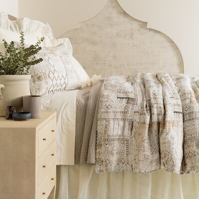 Alanya Comforter Size: King
