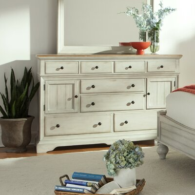 Cottage 8 Drawer�Dresser