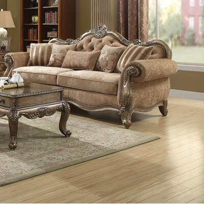Welling Traditional Sofa