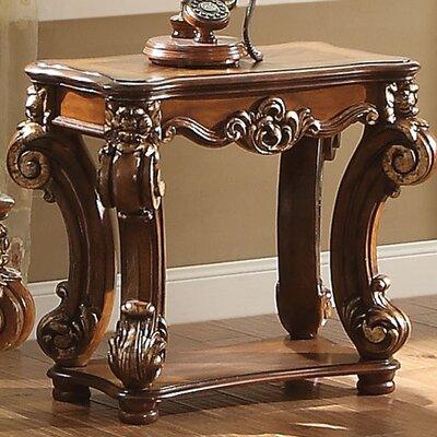Welles Traditional End Table Color: Cherry