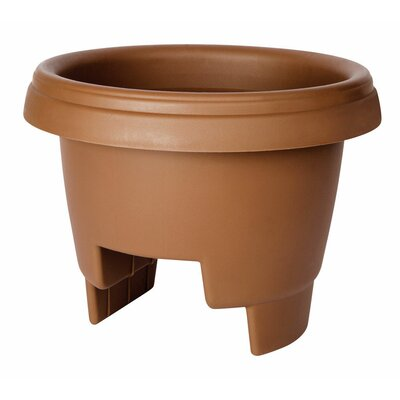 Round Rail Planter Color: Clay 477121-1001