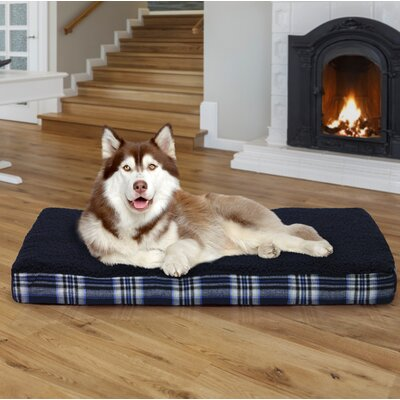Boris Faux Sheepskin and Plaid Memory Foam Dog Bed Color: Midnight Blue, Size: Medium (30 L x 20 W)