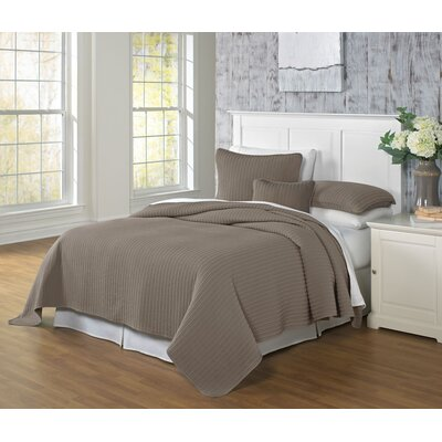 Clare Coverlet Color: Earth, Size: Twin
