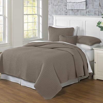 Clare Coverlet Color: Earth, Size: King