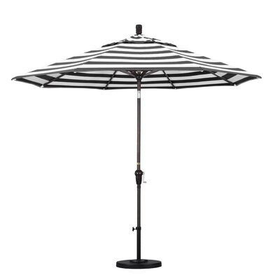 9' Market Umbrella Fabric: Classic, Frame Finish: Bronze