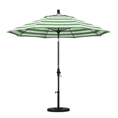 9 Market Umbrella Fabric: Emerald, Frame Finish: Matted Black