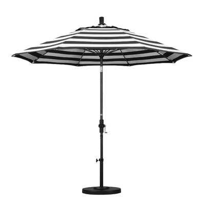 9 Market Umbrella Fabric: Classic, Frame Finish: Matted Black