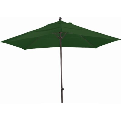 11 Market Umbrella Fabric: Sunbrella A Forest Green