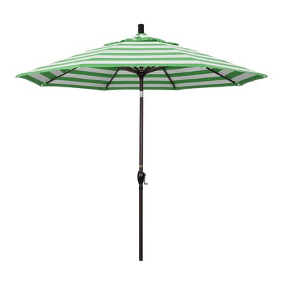 9 Market Umbrella Fabric: Emerald, Frame Finish: Matted White