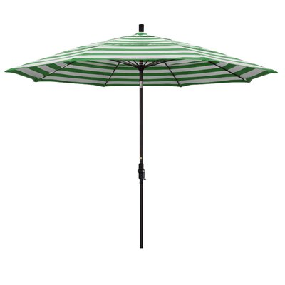 11 Market Umbrella Fabric: Matted White, Frame: Emerald