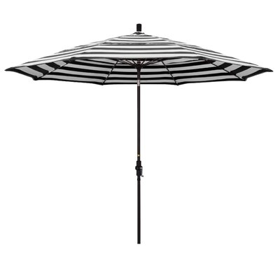 11 Market Umbrella Frame: Classic, Fabric: Matted Black