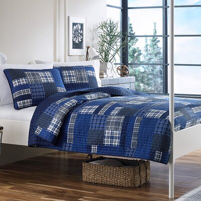 Eastmont Reversible Coverlet Set Size: Twin