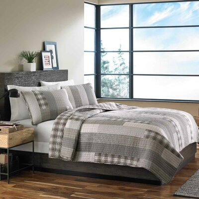Fairview Reversible Coverlet Set Size: King
