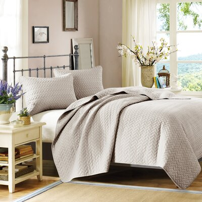 3 Piece Coverlet Set Size: King, Color: Linen