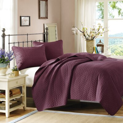3 Piece Coverlet Set Color: Mulberry, Size: Queen