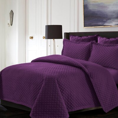 Brisbane Reversible Quilt Set Color: Purple, Size: Twin